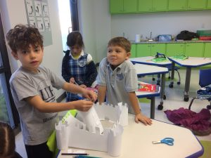 4 - 1st grade built their models of fortified castles www.lihouston.org
